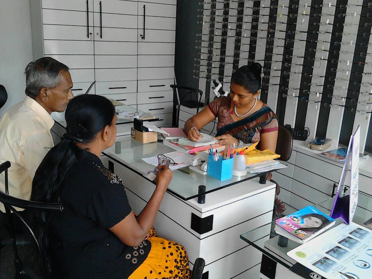 Opticians in Colombo | Room 2